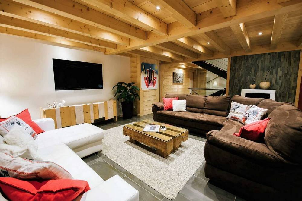 The spacious living area of The Alpine Lodge