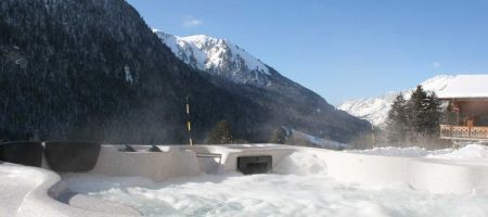 Les Trois Canards 5 bedroom luxury chalet 5 minutes from Chatel centre